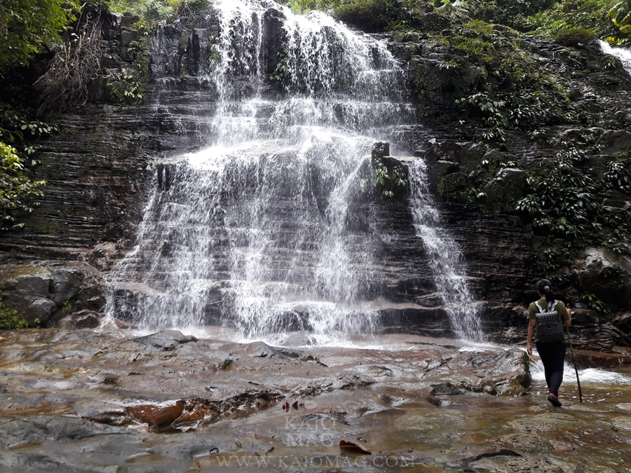 Come and explore Kubah Waterfall.